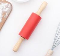 Скалка силикон с дерев.ручкой 23х4 см